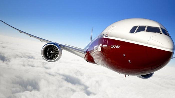 Boeing рекомендовала остановить полеты самолетов 777 после инцидента в США