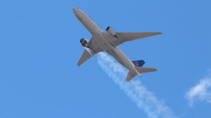 Британия запретила полеты Boeing 777 после инцидента с лайнером в США
