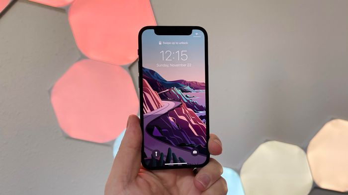 Смартфон Apple iPhone 12 Mini: ключевые особенности