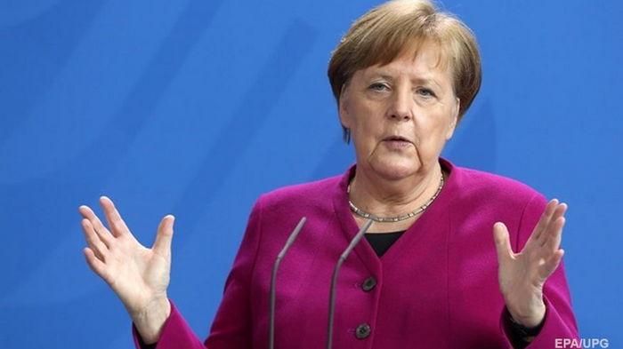 Меркель выступила за продление локдауна в Германии