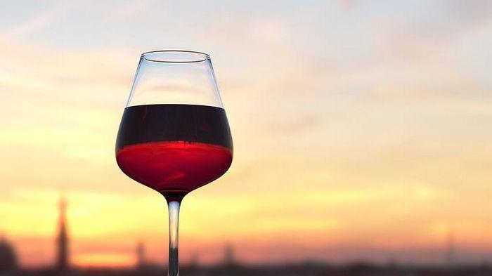 5 бокалов вина в неделю положительно влияют на здоровье глаз – исследование