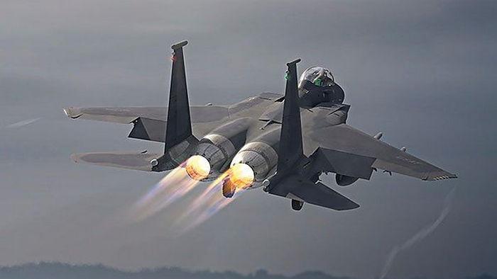 США показали, кто создал новейший тяжеловооруженный истребитель F-15EX (видео)