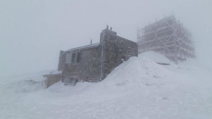Карпаты засыпало снегом в середине апреля