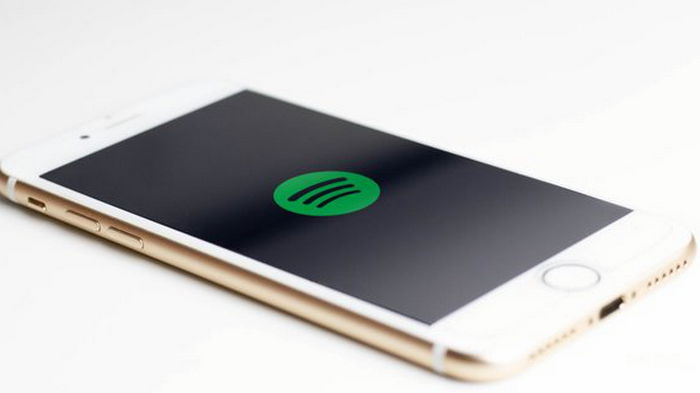 Spotify вслед за Apple введет платную подписку на подкасты
