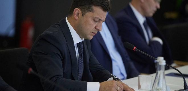 Зеленский подписал закон о льготной реструктуризации валютных кредитов