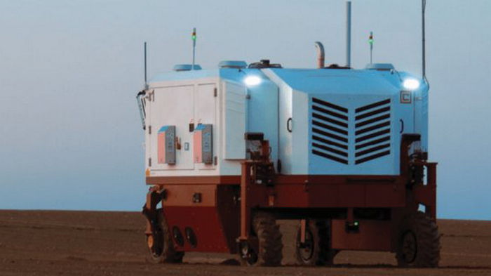 Создан агро-робот, который лазером уничтожает по 100 000 сорняков за час (видео)