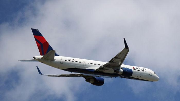 Остановите самолет: в США произошла экстренная посадка из-за пассажира