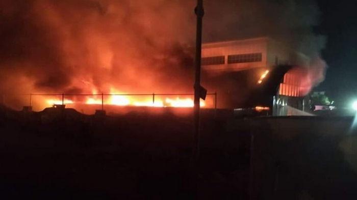 В Ираке произошел пожар в COVID-больнице, 40 погибших (видео)