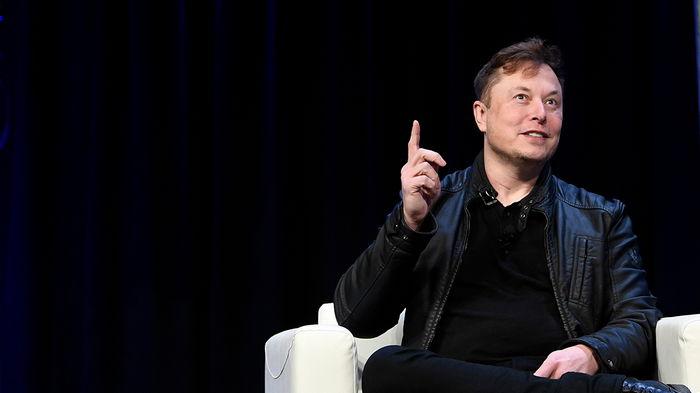 Илон Маск собирается слетать на ракетоплане Брэнсона (видео)