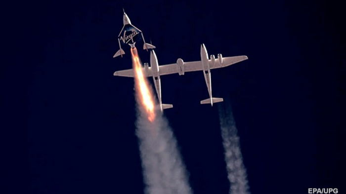 Virgin Galactic предложила два бесплатных билета в космос