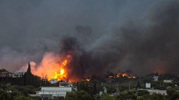 Пожары в Греции: жителей нескольких сел эвакуируют