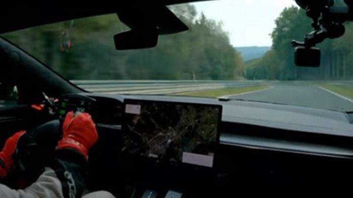 Новая модель Tesla побила рекорд скорости (видео)