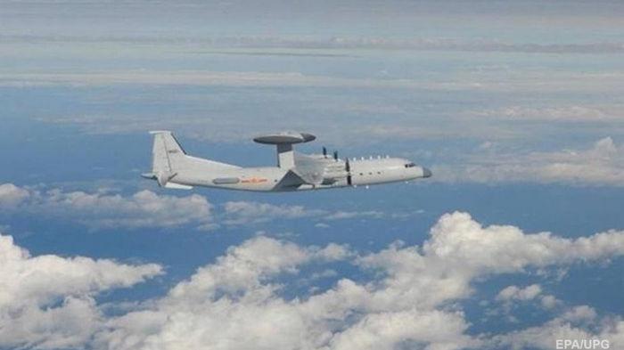 Китай направил на Тайвань более полусотни самолетов