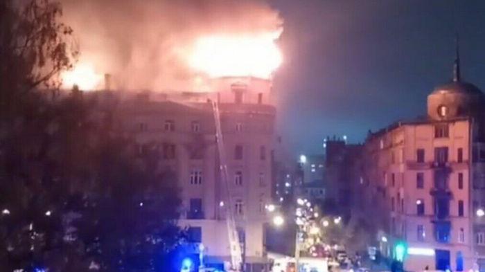 В Санкт-Петербурге произошел пожар в историческом центре (видео)