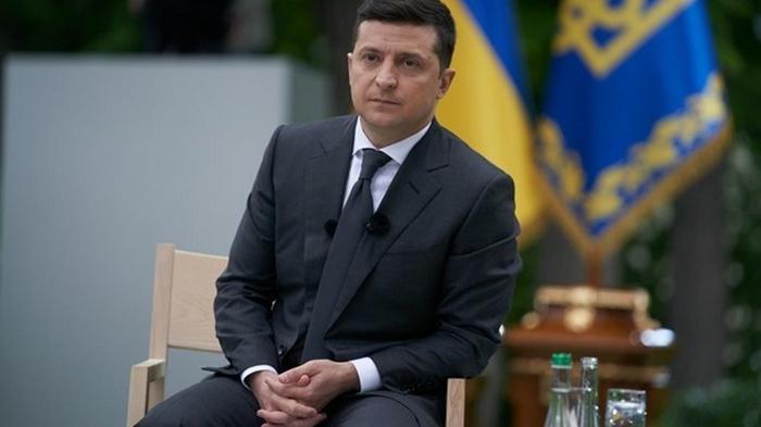 Зеленский пообещал медикам повышение зарплат
