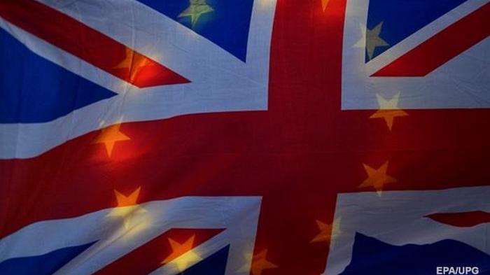 Франция обвинила Британию в затягивании переговоров по Brexit