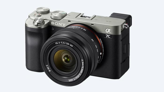 Sony представила самую маленькую и легкую полнокадровую камеру (видео)