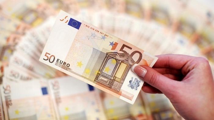 Курсы валют на 16 октября: евро резко подешевел