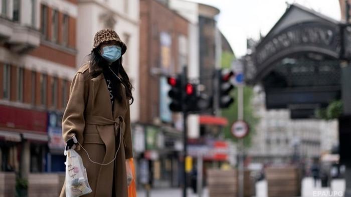 В Англии вводят локдаун из-за эпидемии COVID-19