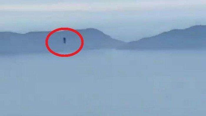 В США сняли полет неизвестного с реактивным ранцем (видео)