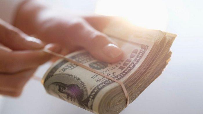 Эксперт озвучил прогноз курса доллара на конец года