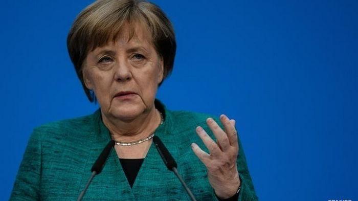 Меркель заявила, что самые тяжелые месяцы пандемии еще впереди